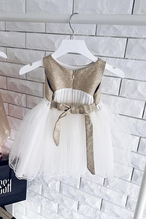 Детска рокля-пачка със златно