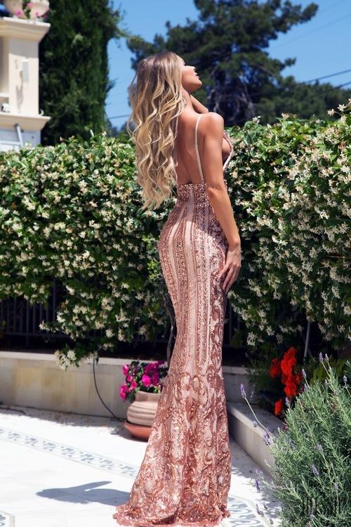 Red carpet премиерна рокля