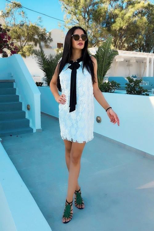 White dove рокля със свободен силует