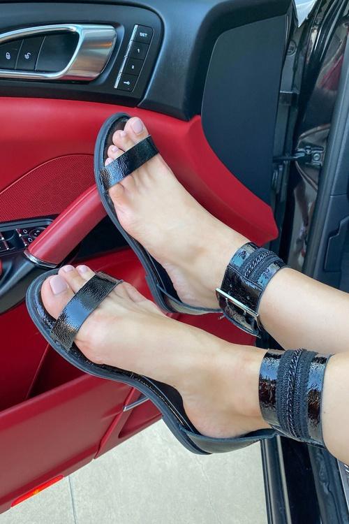 End game ниски сандали