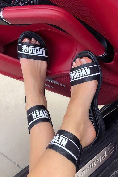 Never average ниски сандали - черни
