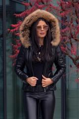 Steal the winter зимно кожено яке с косъм