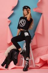 Revolve Around Me T-Shirt - Черна с Бяло Лого - Изображение 6