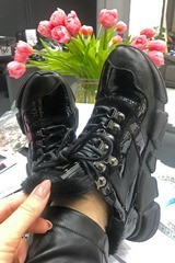 Edgy all black sneakers от ест. кожа