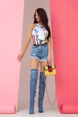 Undefeated in fashion топ с изкусително изрязване - Изображение 6