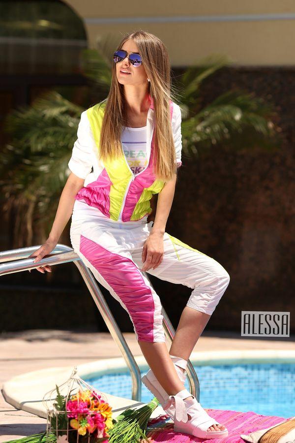 Панталон с дължина 7/8 в бяло, зелено и розово - Изображение 3