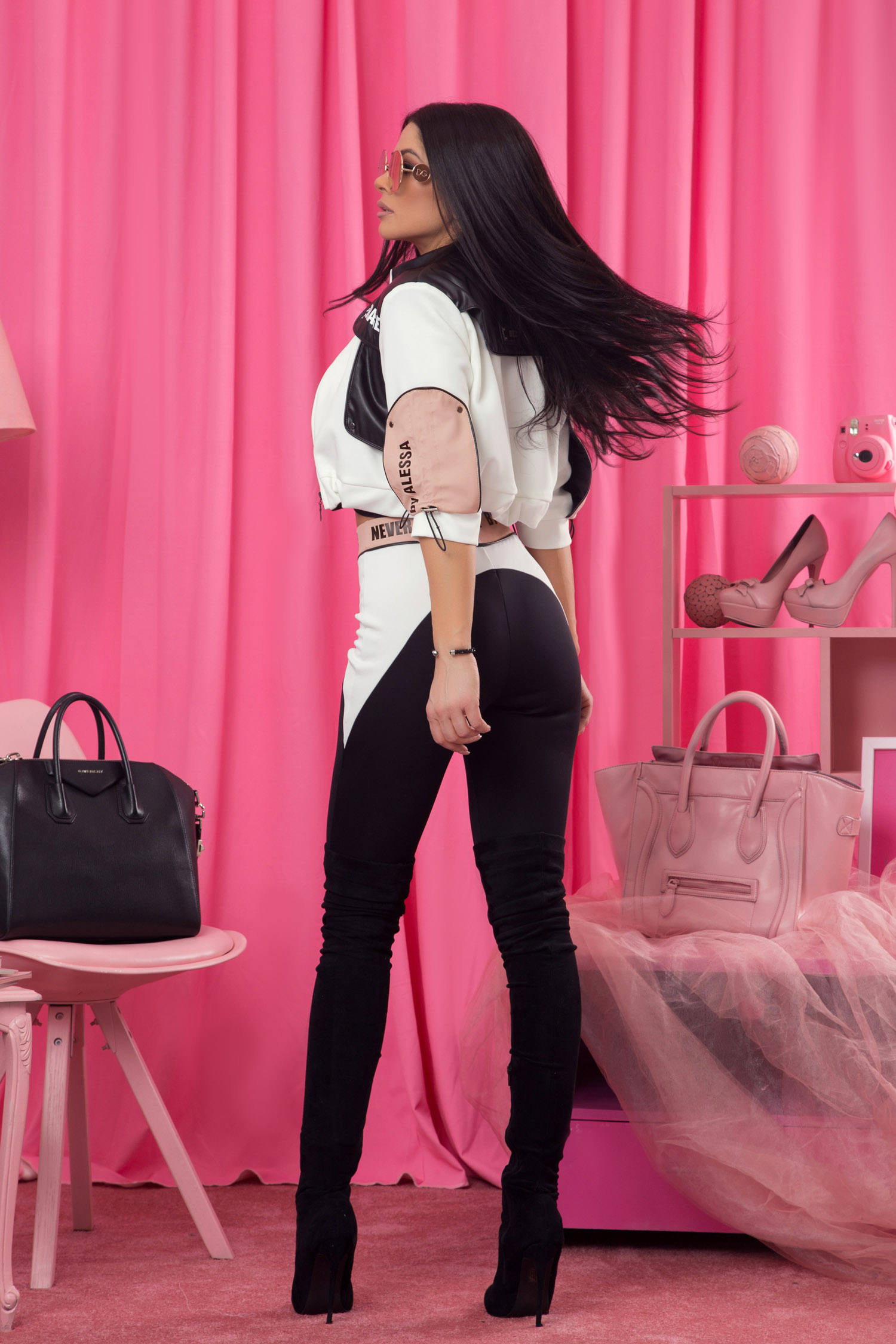 Never average by Alessa панталон - 3 цвята