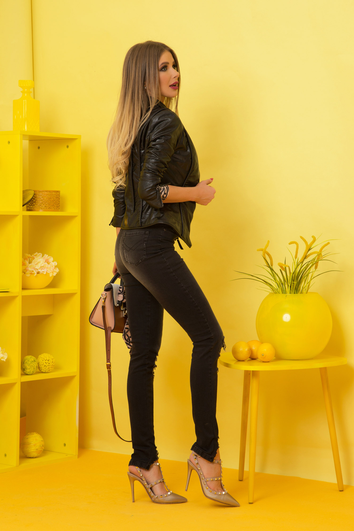 Shades on накъсани дънки с висока талия - черни