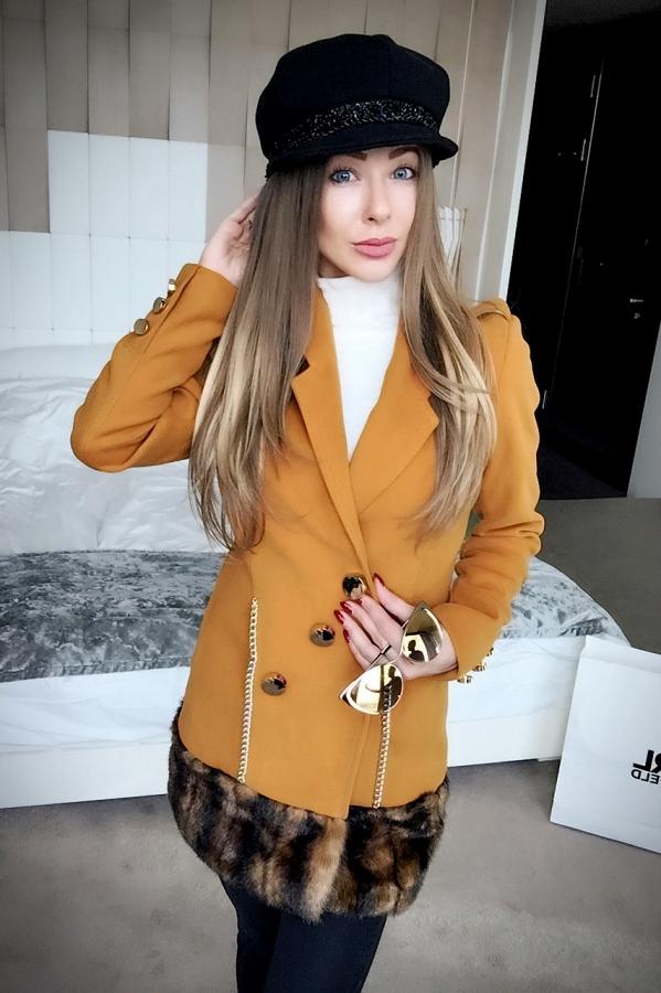 Hate average палто - златна охра