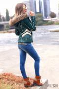 Дизайнерско яке в зелено с естествен косъм от лисица